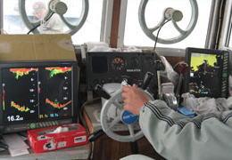 片名から出航の釣り船・松盛丸の運転室の写真