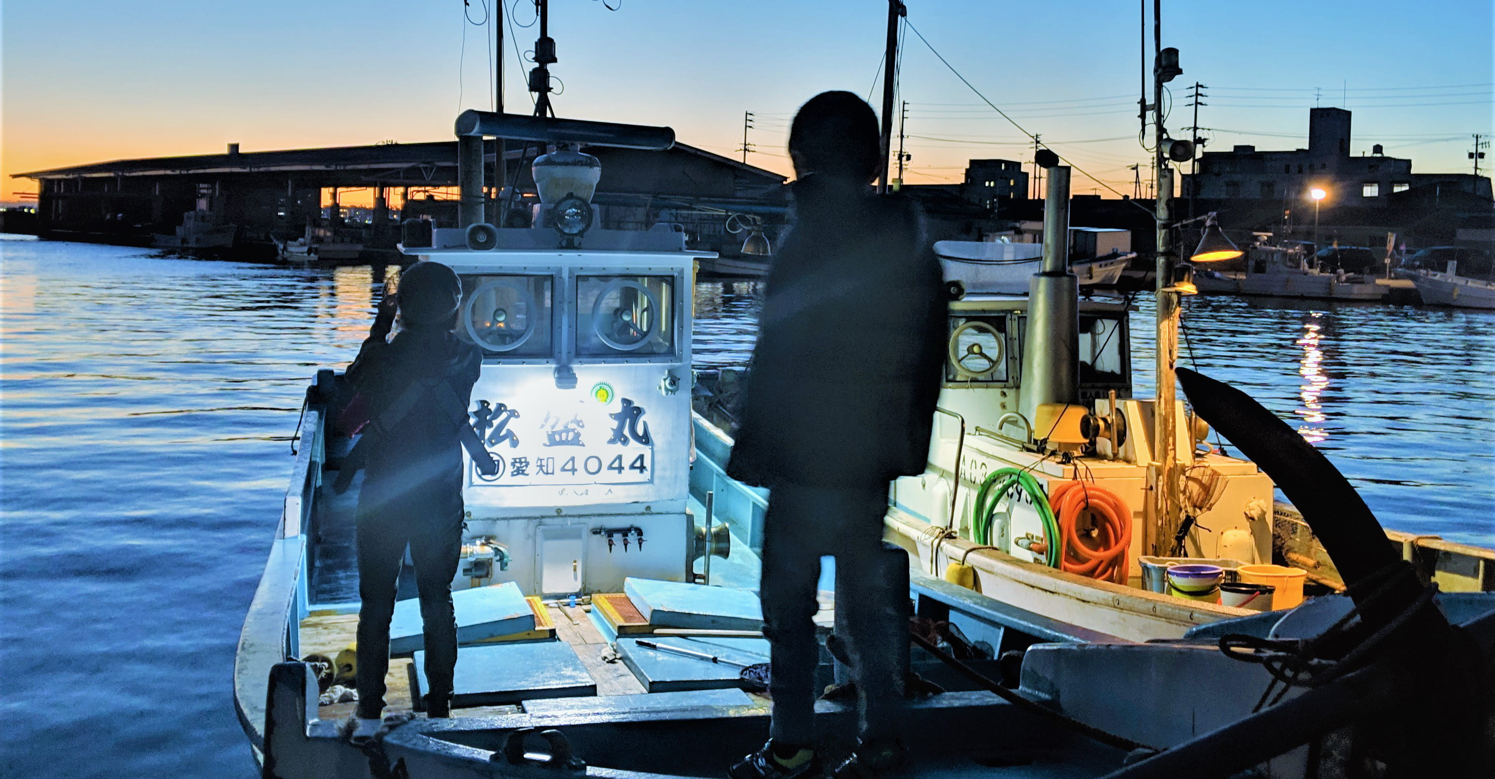 片名港から釣り船・松盛丸で就航する